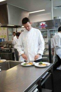 Peter Judging proud to be a chef 1 199x300 El chef siempre tiene la razón