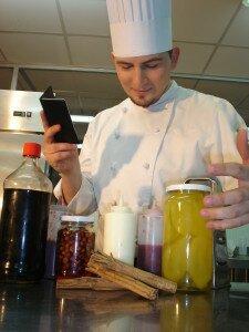 Heinz Wuth Im Chef 225x300 Donacion